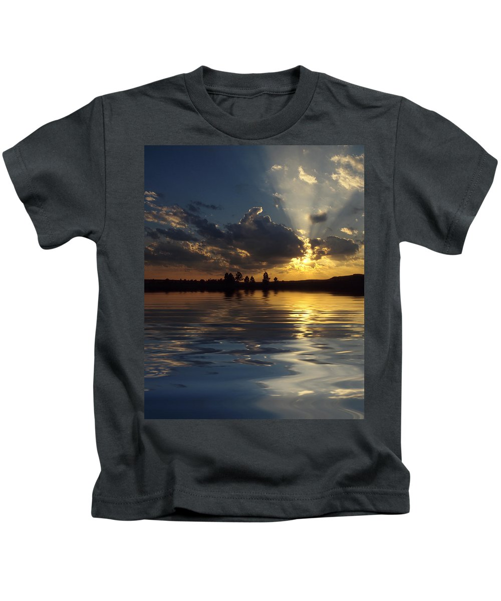 Sunset Kids T-Shirt featuring the photograph Sunray Sunset by Jerry McElroy