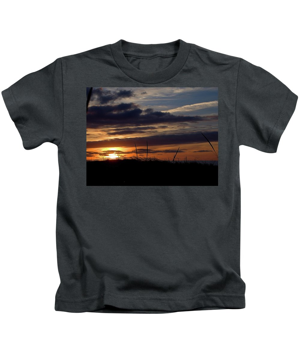 Seas Kids T-Shirt featuring the photograph Sunset I I by Newwwman