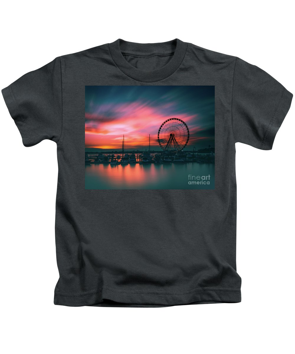 Sunset Kids T-Shirt featuring the photograph Sunset Over National Harbor Ferris Wheel by Dominic Morrocco