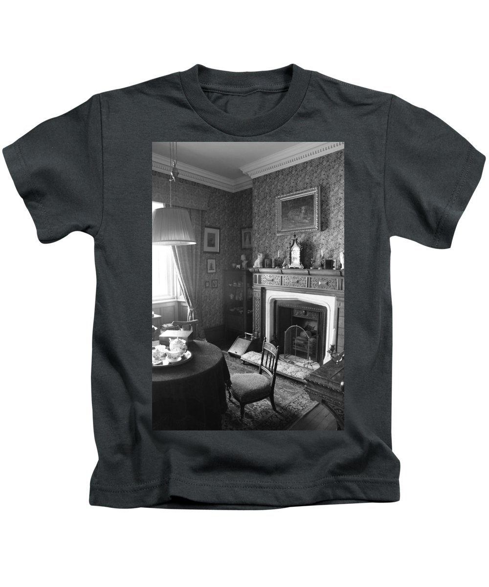 Architecture Kids T-Shirt featuring the photograph Tea By The Fire by Lauri Novak