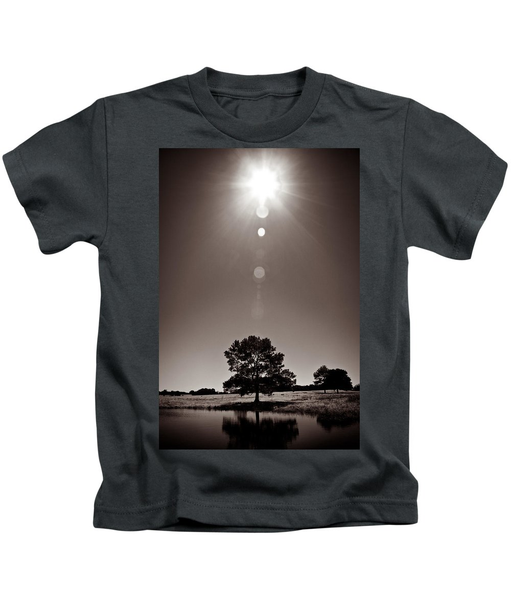 Texas Kids T-Shirt featuring the photograph Texan Sun by Dave Bowman