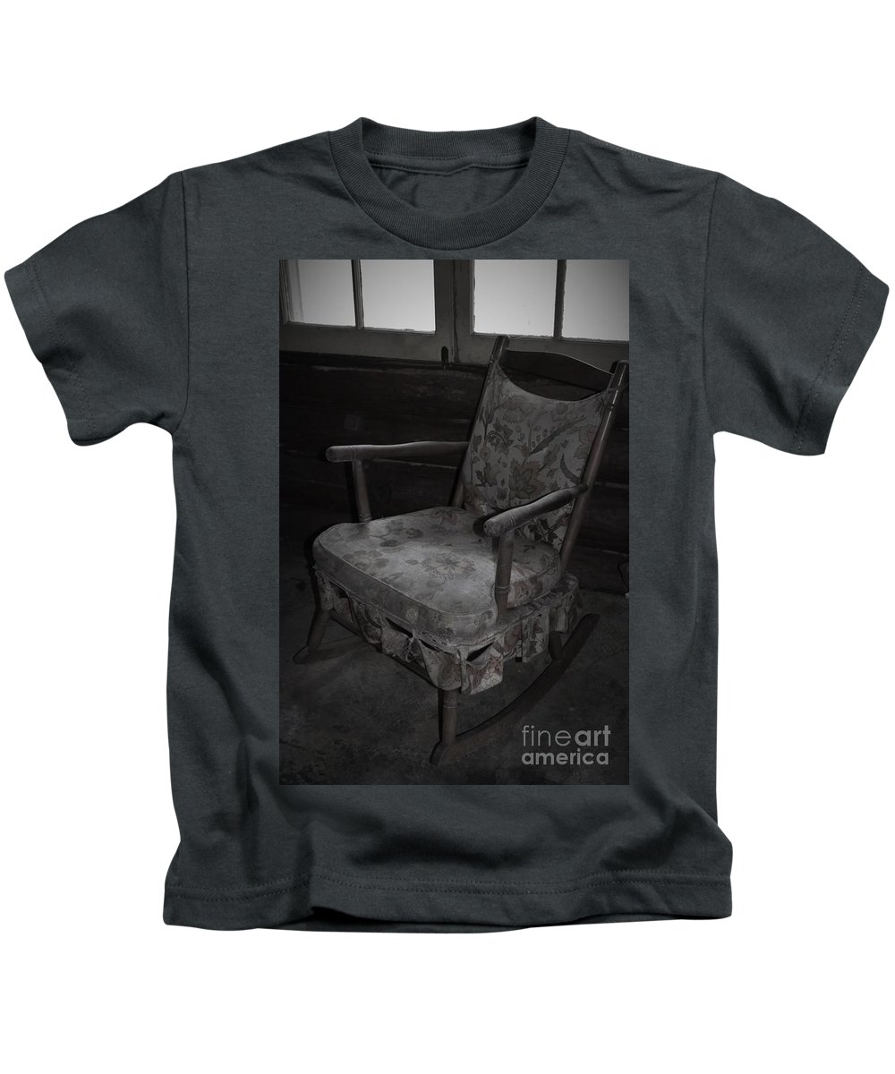Cabin Kids T-Shirt featuring the photograph That Seventies Chair by Lisa Kleiner