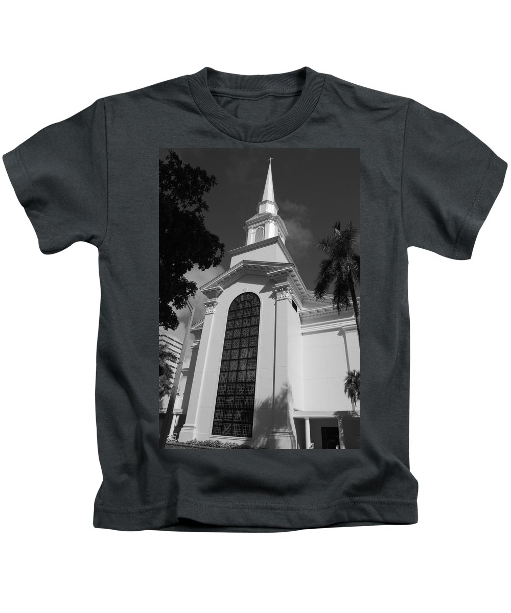 Architecture Kids T-Shirt featuring the photograph Thats Church by Rob Hans