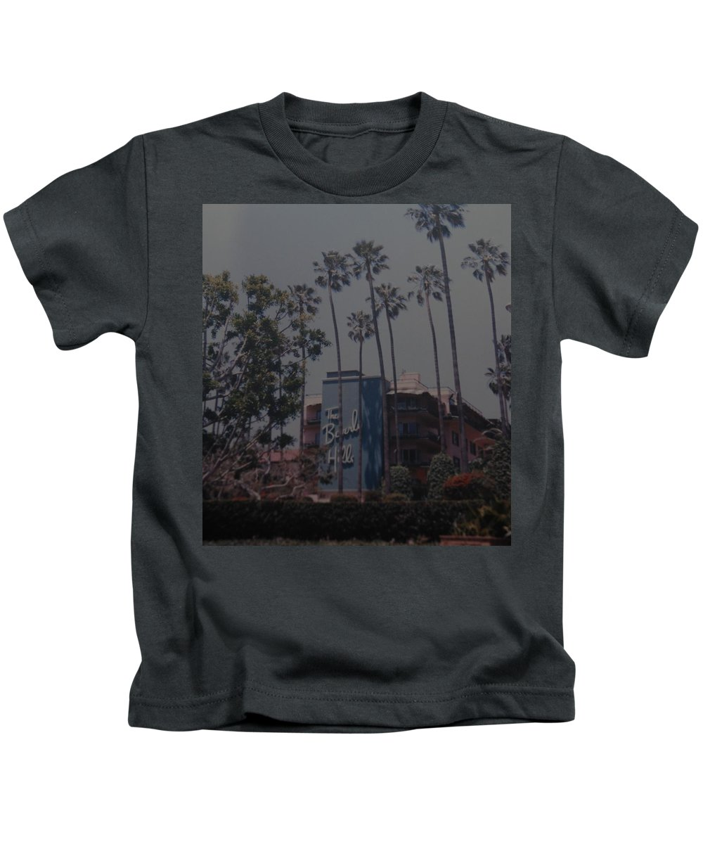 Beverly Hills Kids T-Shirt featuring the photograph The Beverly Hills Hotel by Rob Hans