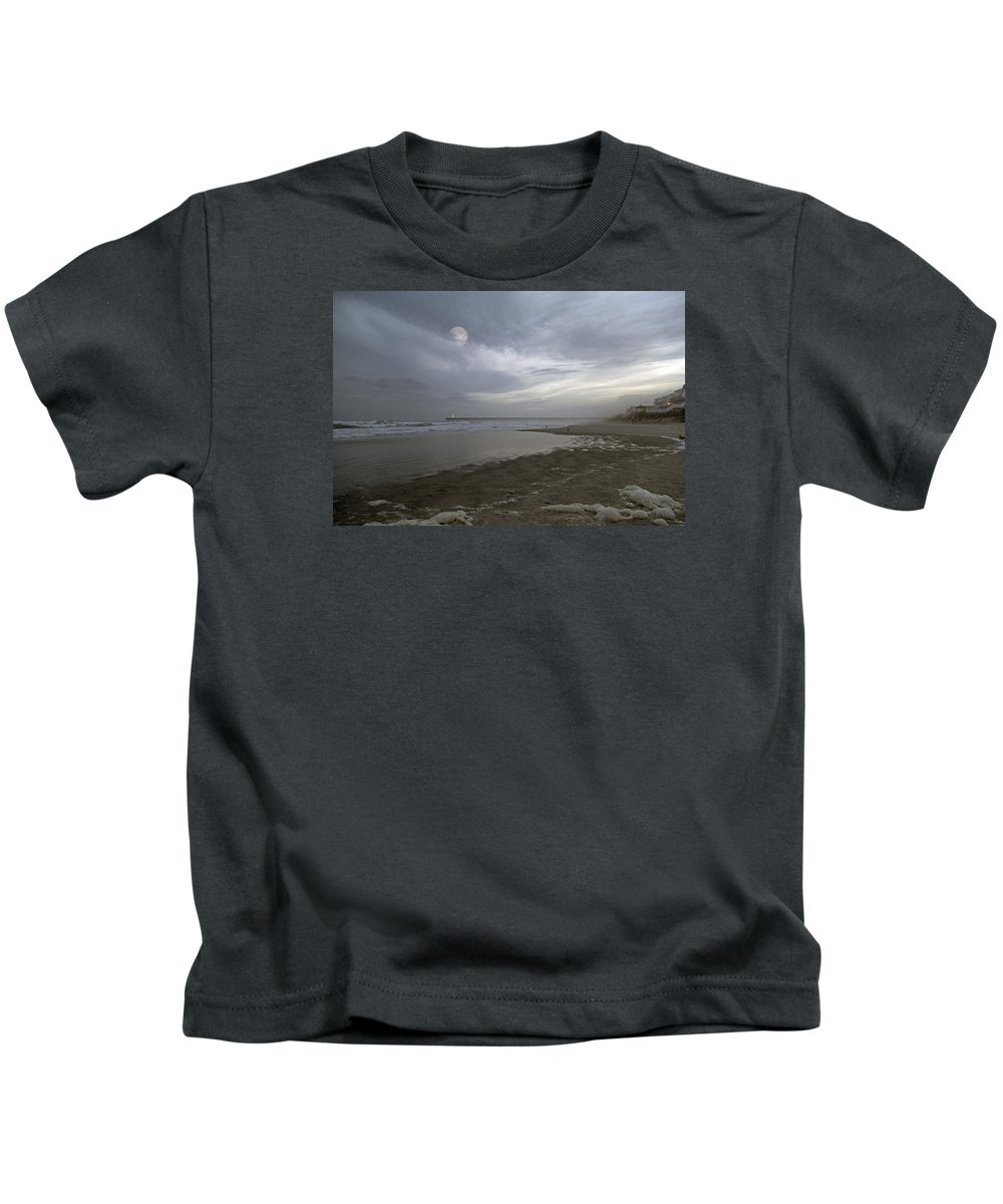 Topsail Kids T-Shirt featuring the photograph The Christmas Moon by Betsy Knapp