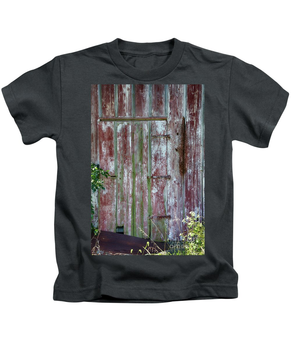 Barn Kids T-Shirt featuring the photograph The Old Barn Door by Terri Morris