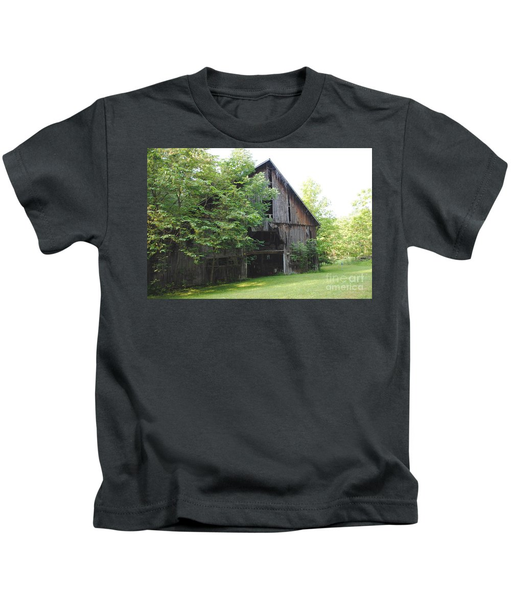 Farm Kids T-Shirt featuring the photograph The Old Barn by Jost Houk