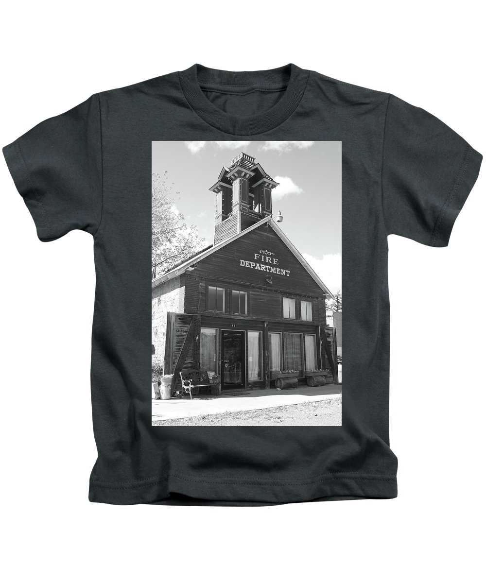 American West Kids T-Shirt featuring the photograph The Old Ridgway Firehouse by Eric Glaser