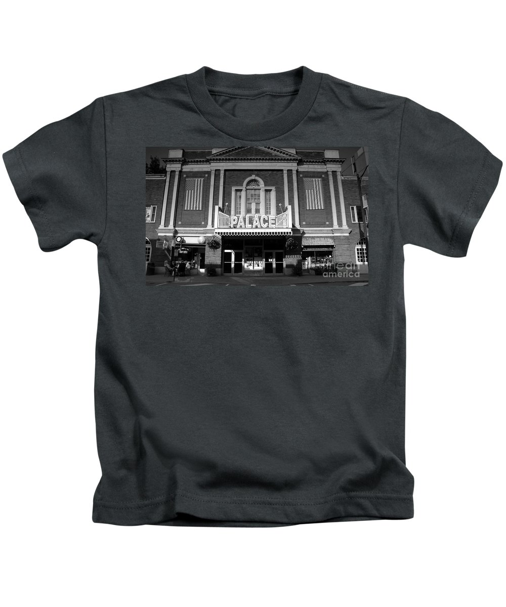 Palace Theater Kids T-Shirt featuring the photograph The Palace by David Lee Thompson