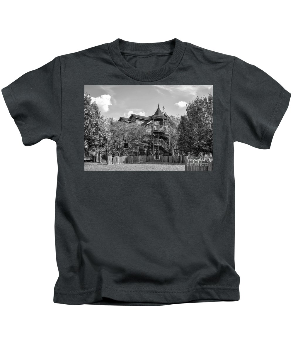 Architecture Kids T-Shirt featuring the photograph This Old House In Black And White by Kathy Baccari