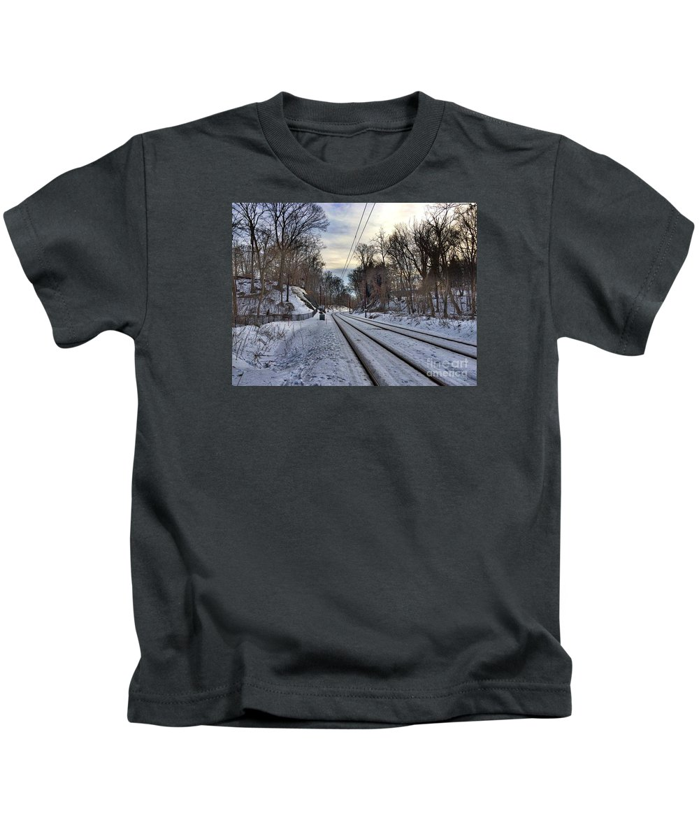 lake Roland Kids T-Shirt featuring the photograph Tracks Into The Sunset by Doug Swanson