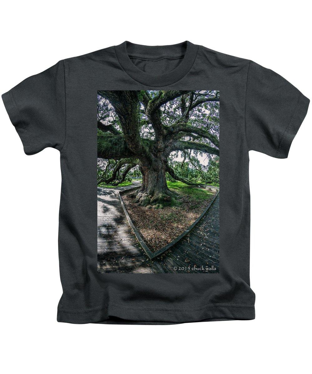 Jacksonville Florida Kids T-Shirt featuring the photograph Treaty Oak 12-14-2015 056 by Chuck Walla