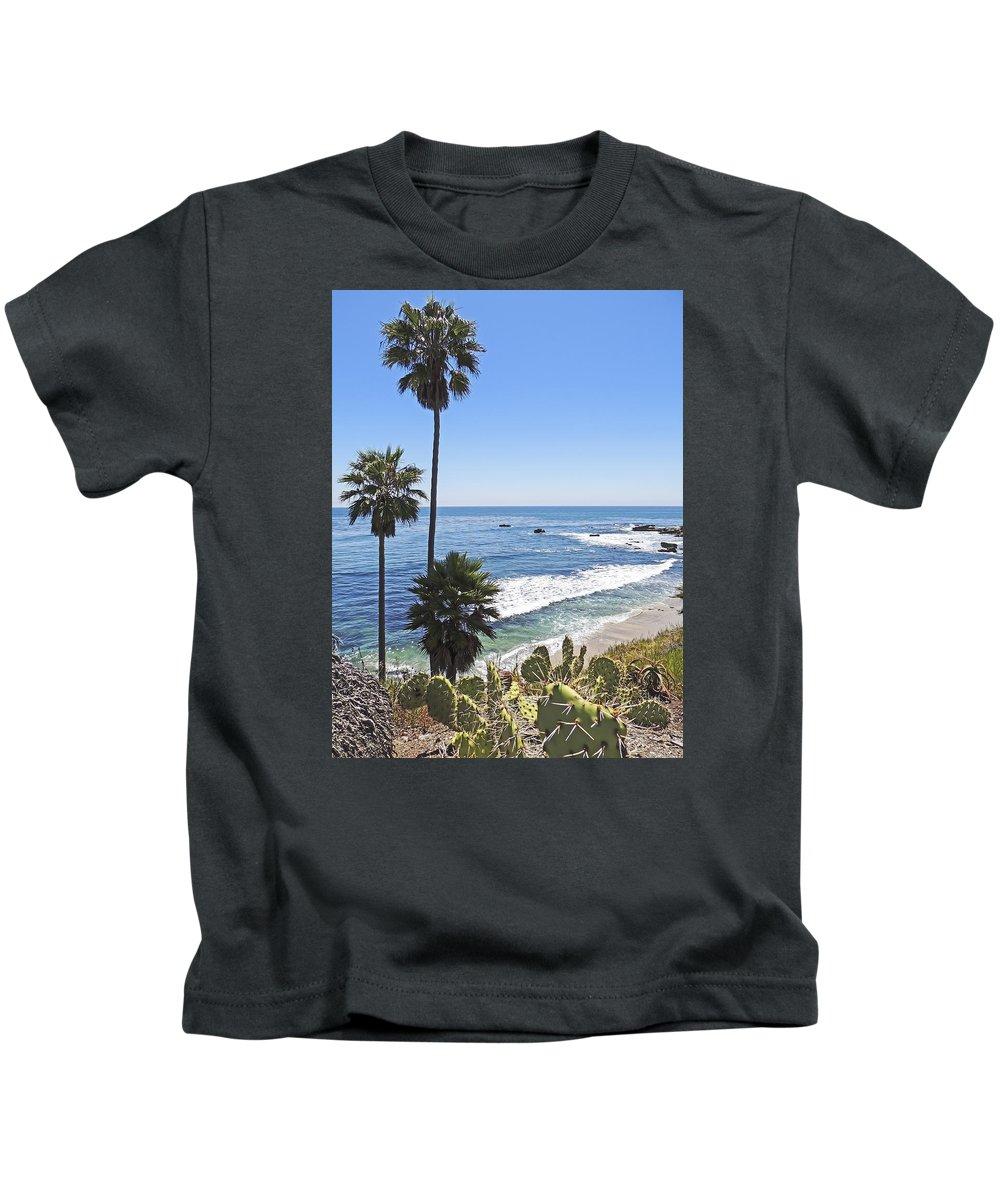 Palm Tree Kids T-Shirt featuring the photograph Tree #5 by Edita De Lima