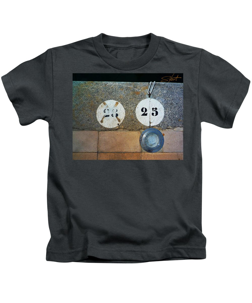 Number Kids T-Shirt featuring the photograph Twenty Five by Charles Stuart