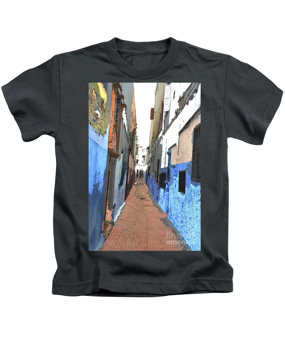 Urban Kids T-Shirt featuring the photograph Urban Scene by Hana Shalom