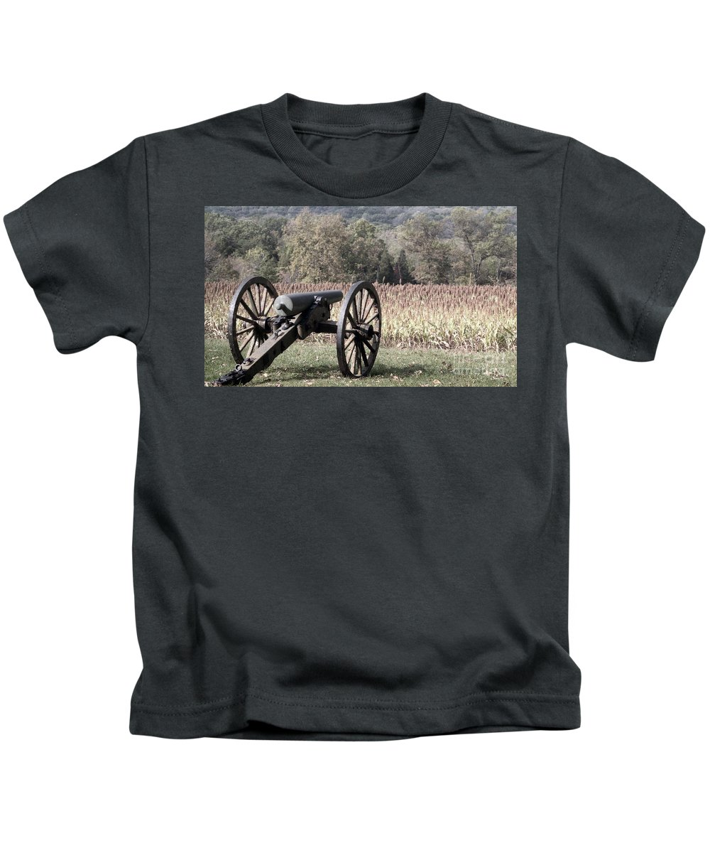 Gettysburg Kids T-Shirt featuring the photograph Valley Of Death by Richard Rizzo