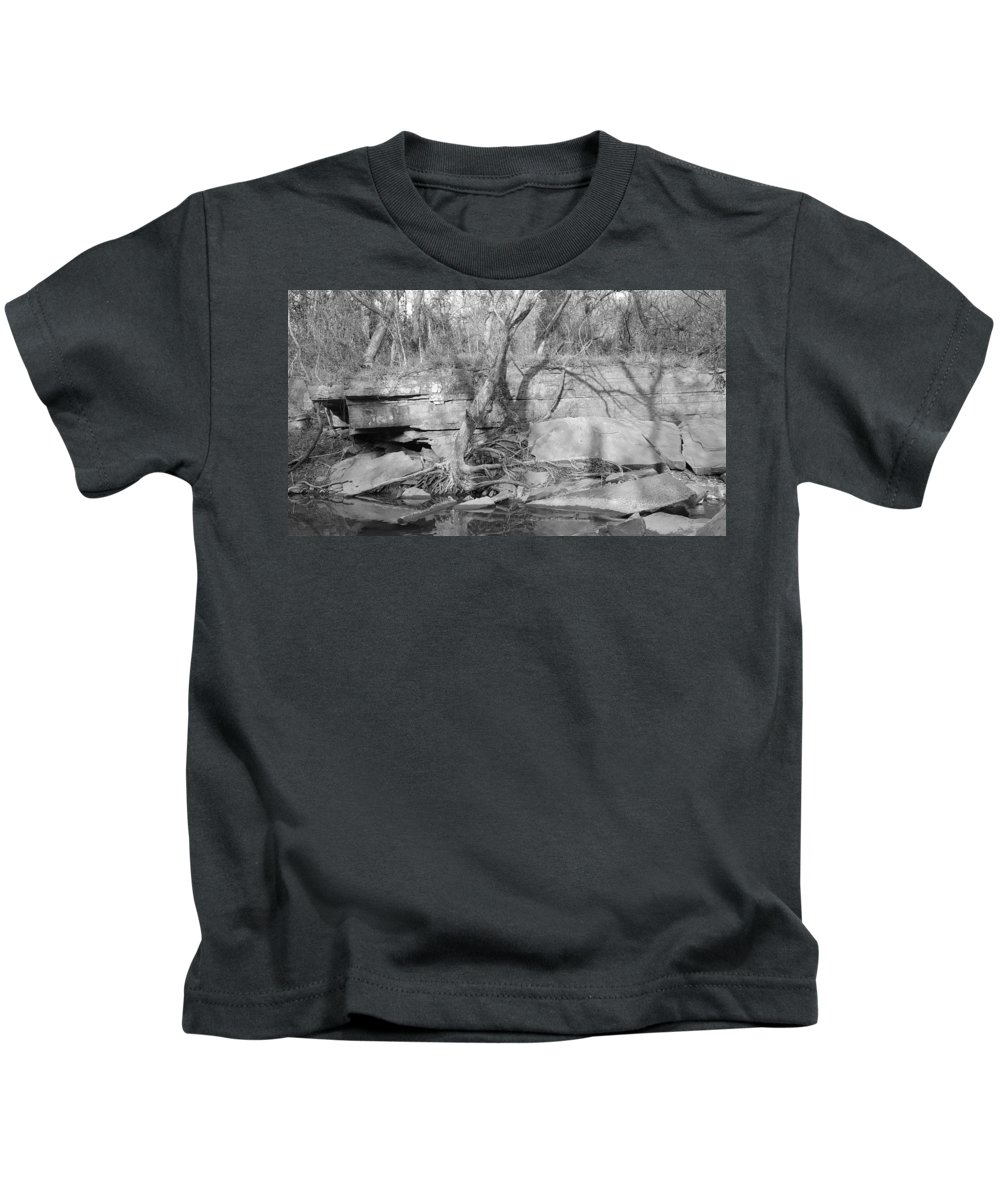 Black Kids T-Shirt featuring the photograph Veranda by Lori Morrow