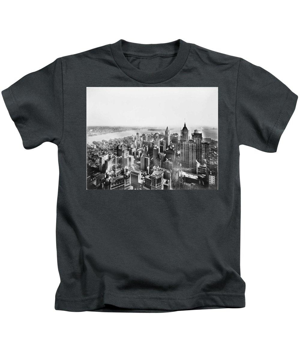 Manhattan Kids T-Shirt featuring the photograph Vintage Lower Manhattan Skyscraper Photo - 1913 by PhotographyAssociates