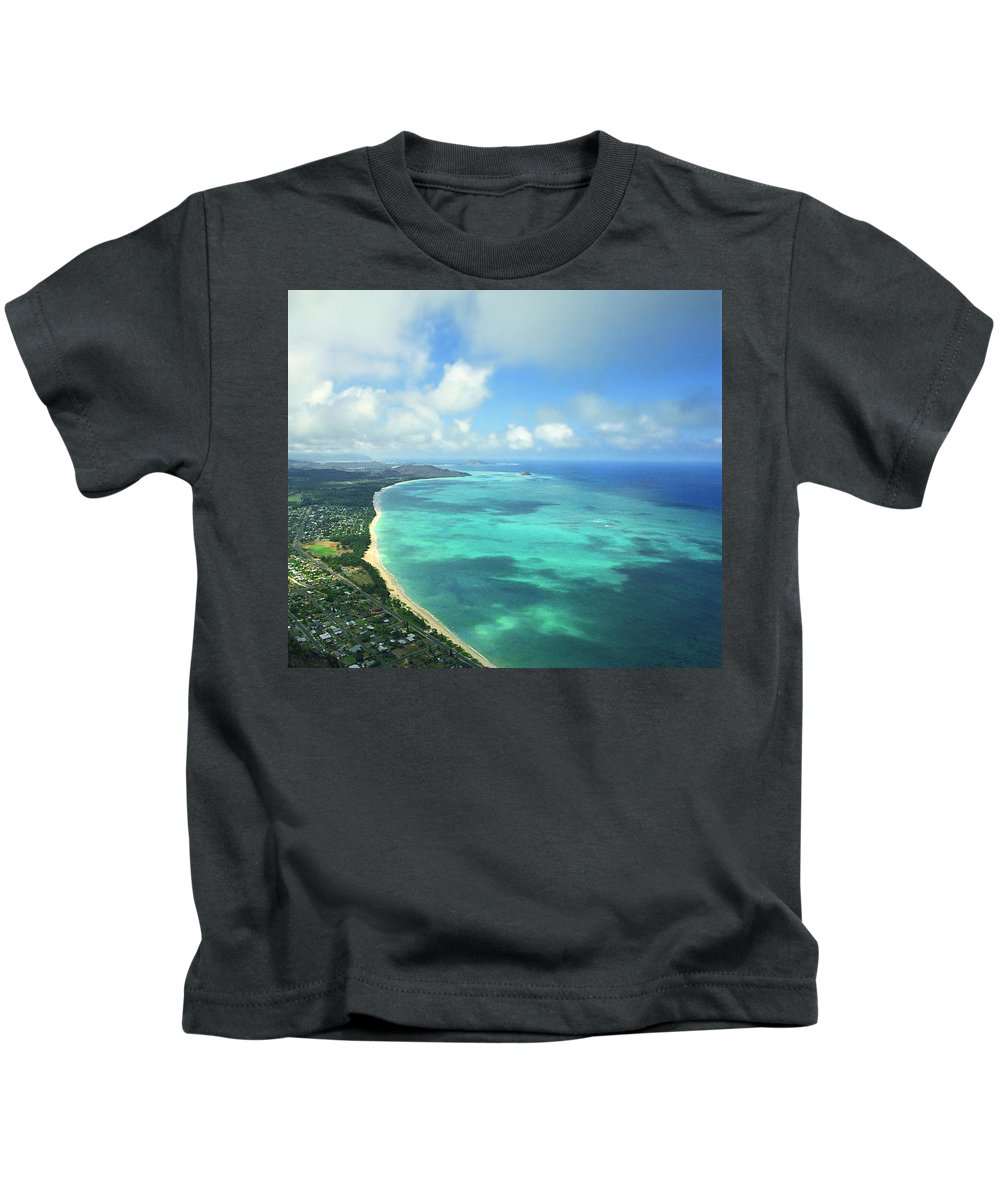 Waimanalo Kids T-Shirt featuring the photograph Waimanalo Bay by Kevin Smith