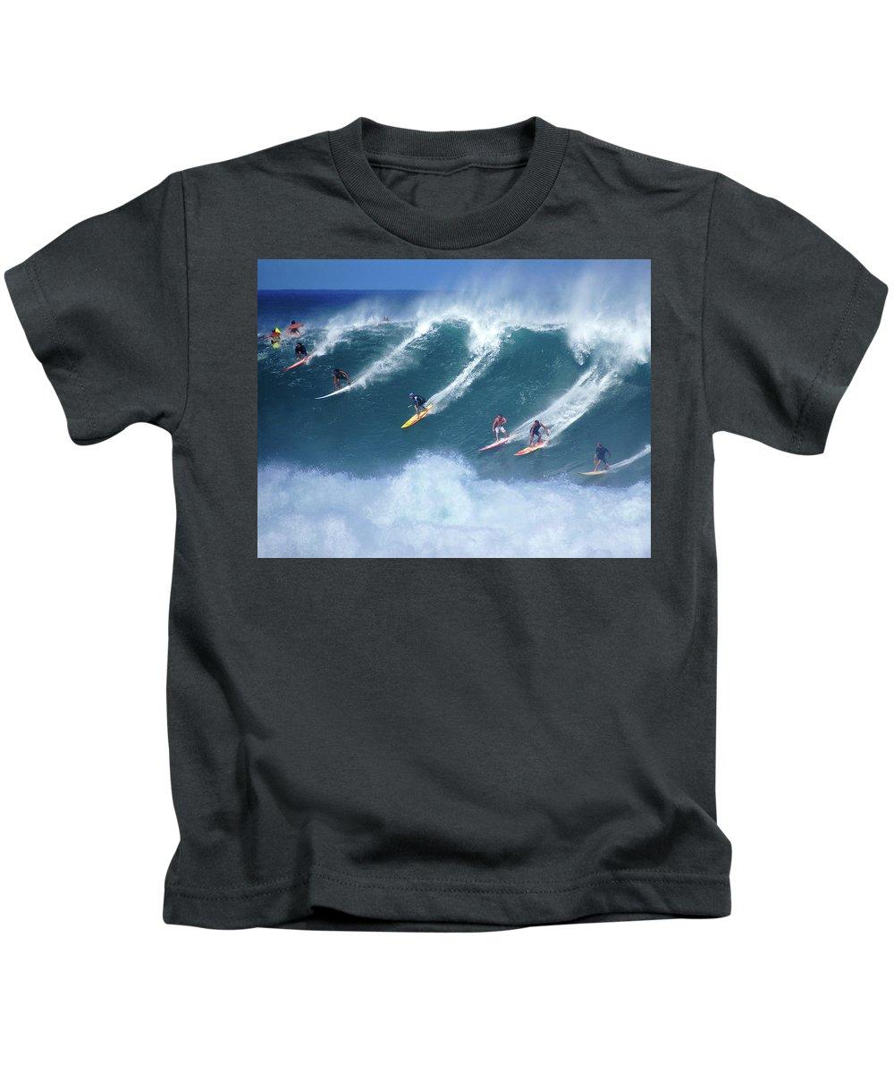 Hawaii Kids T-Shirt featuring the photograph Waimea Full Flight by Kevin Smith