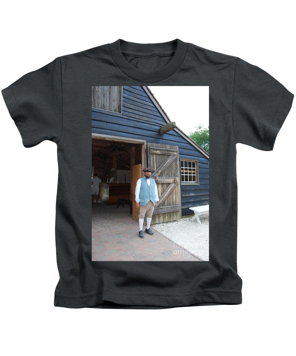 Virginia Kids T-Shirt featuring the photograph Welcome by Eric Liller