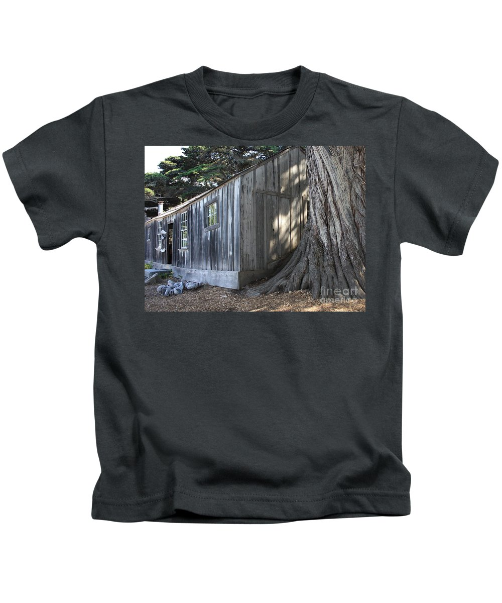 Kids T-Shirt featuring the photograph Whalers Cabin by Carol Groenen