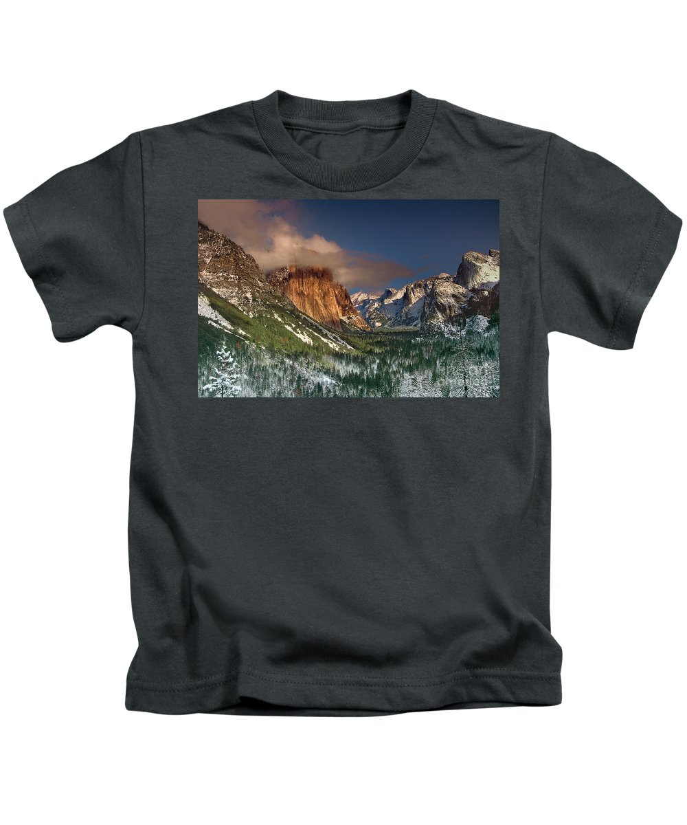 North America Kids T-Shirt featuring the photograph Winter Tunnel View Yosemite National Park by Dave Welling