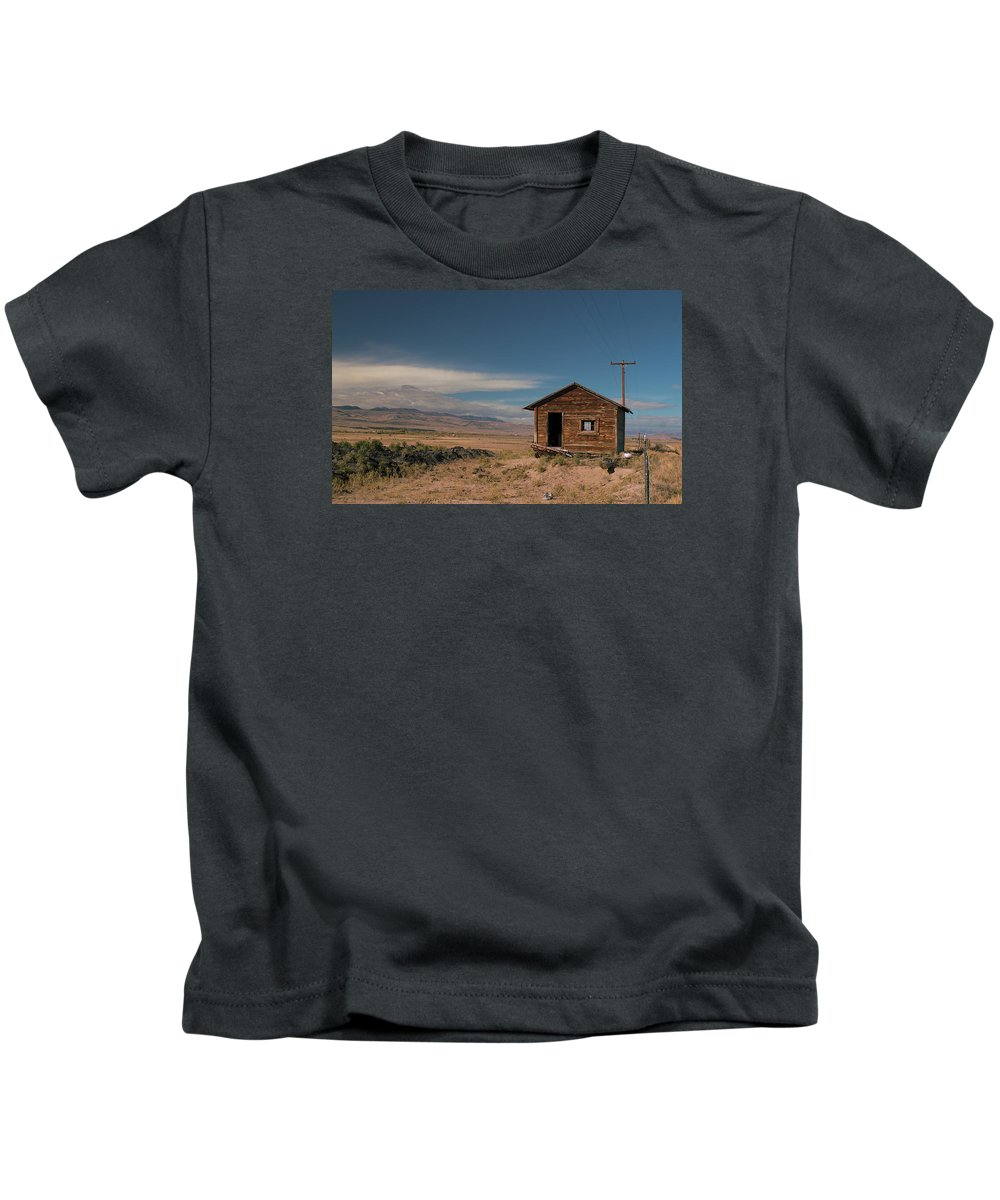 Shack Kids T-Shirt featuring the photograph Wyoming Shack by Grant Groberg