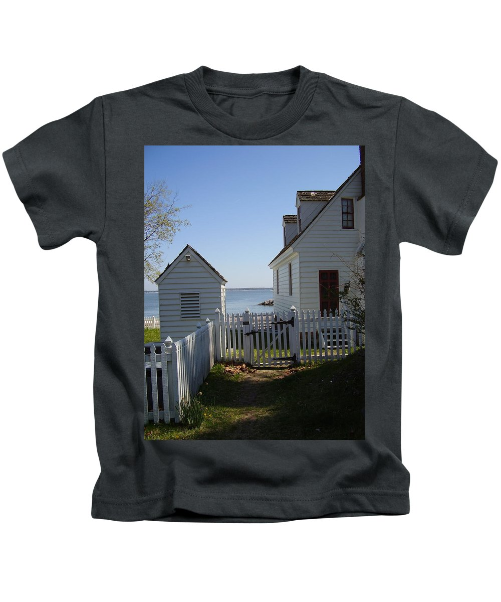 Yorktown Kids T-Shirt featuring the photograph Yorktown by Flavia Westerwelle