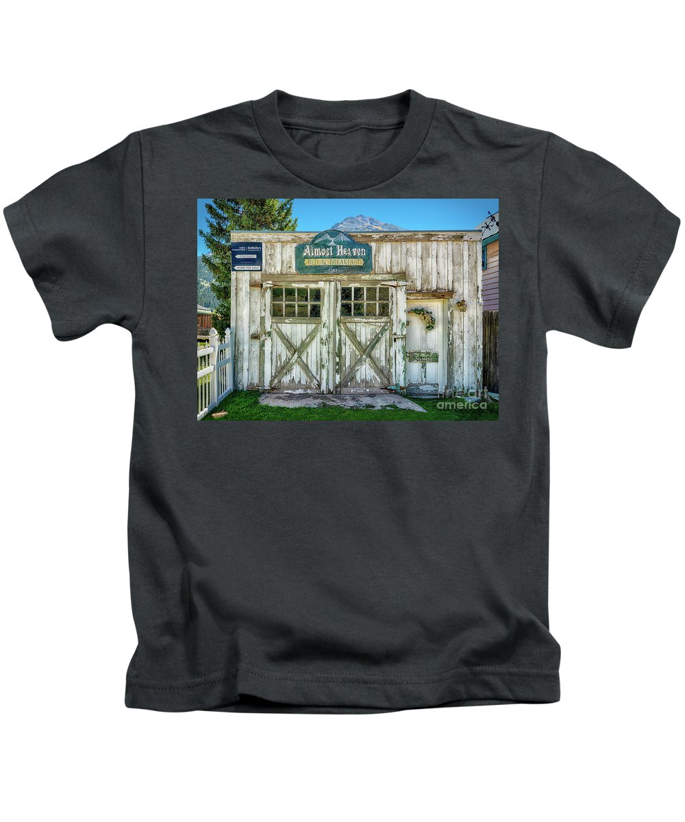 Almost Heaven Bed And Breakfast Kids T-Shirt featuring the photograph Almost Heaven by Priscilla Burgers