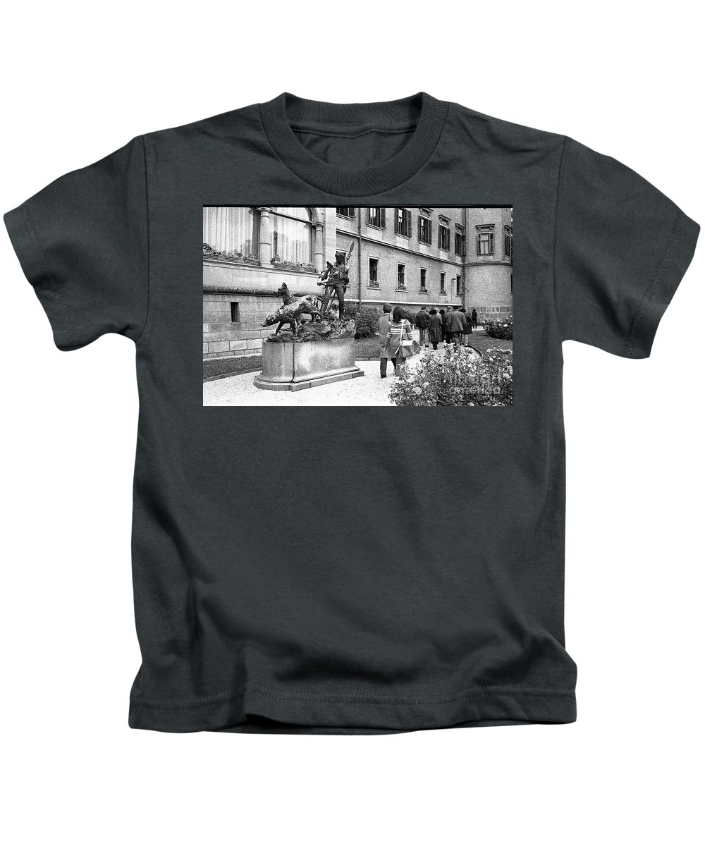 The Statue In Bronze Kids T-Shirt featuring the photograph Dogs And Man by Venancio Diaz