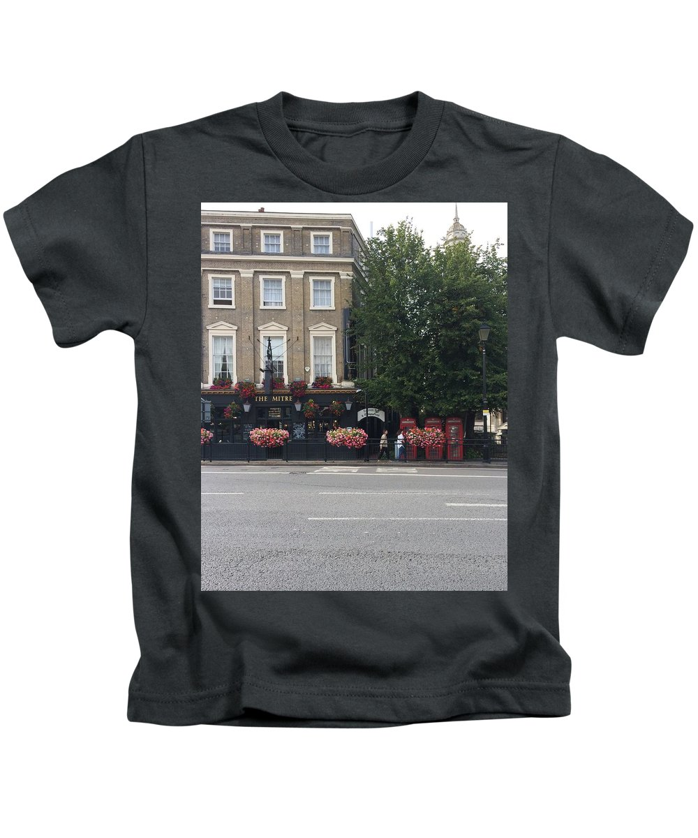 Pub Kids T-Shirt featuring the photograph The Mitre by Vera De Gernier