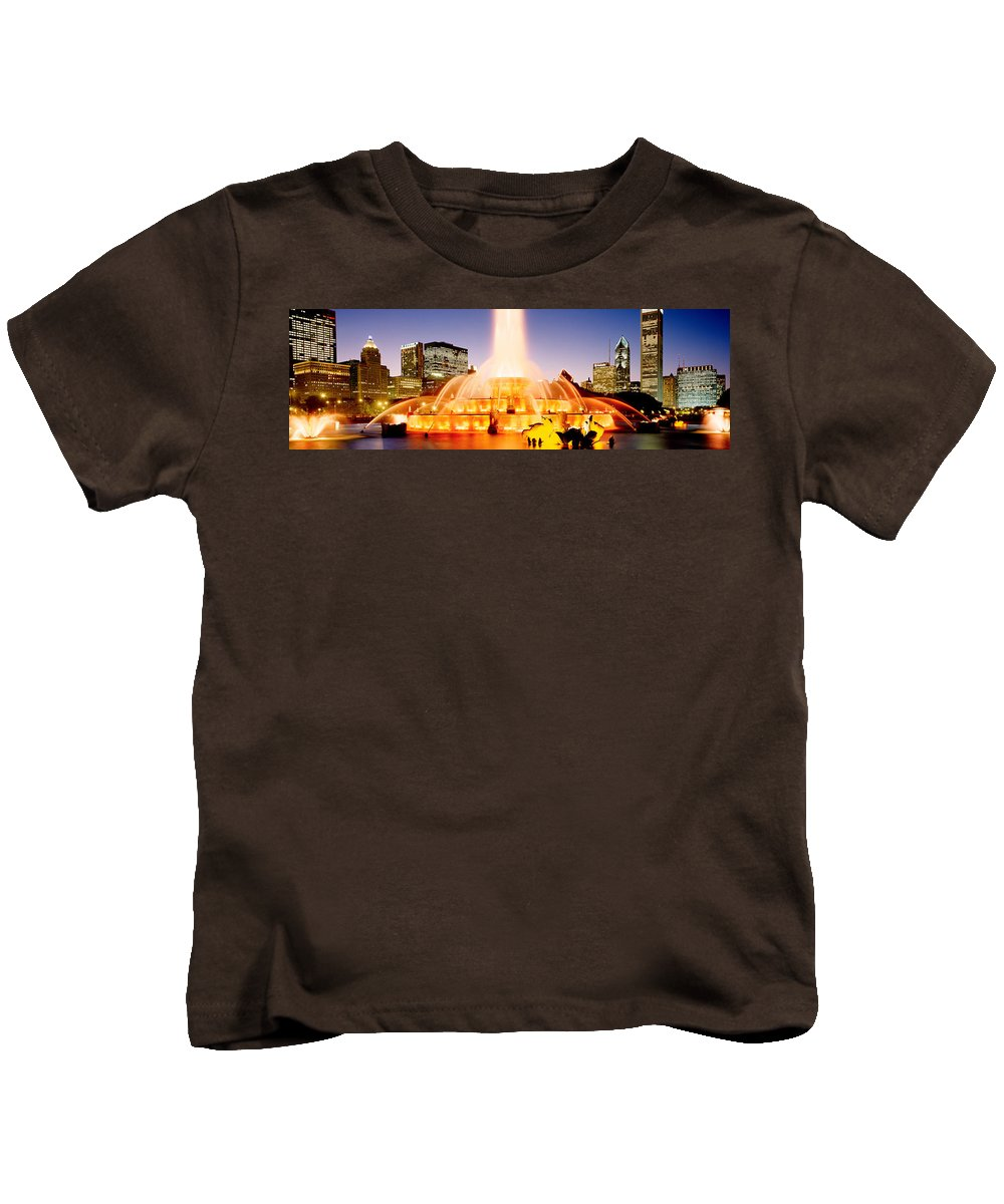 Photography Kids T-Shirt featuring the photograph Fountain Lit Up At Dusk, Buckingham by Panoramic Images