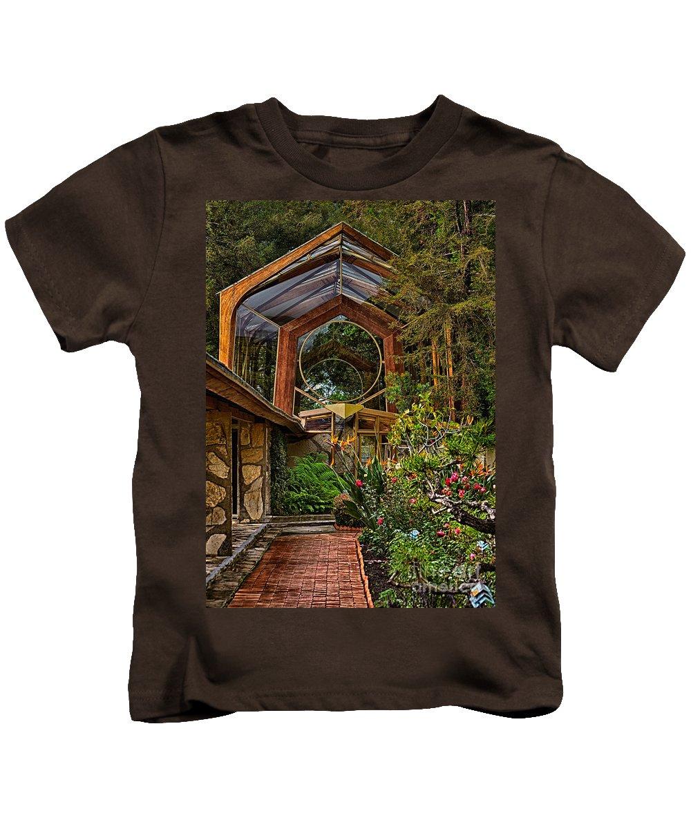Palosverdes Kids T-Shirt featuring the photograph The Wayfarers Chapel by Donna Greene