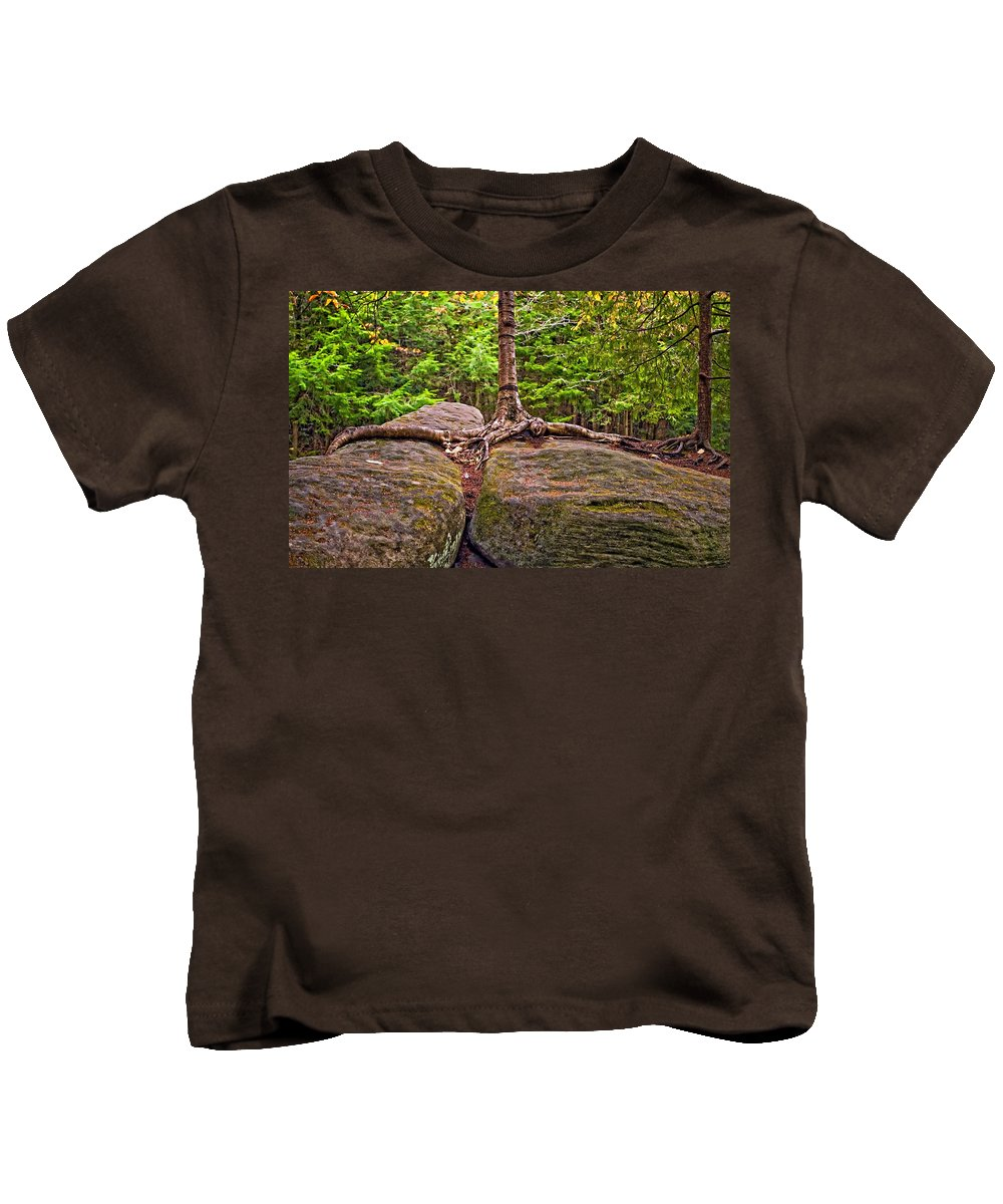 West Virginia Kids T-Shirt featuring the photograph Determination by Steve Harrington