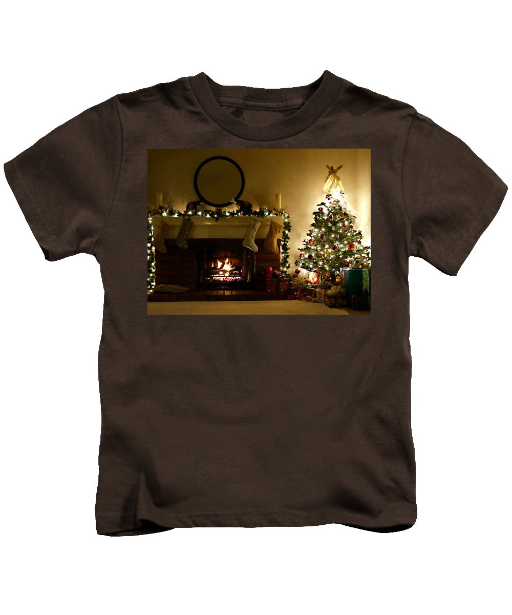 Home For The Holidays Kids T-Shirt featuring the photograph Home For The Holidays by Ellen Henneke