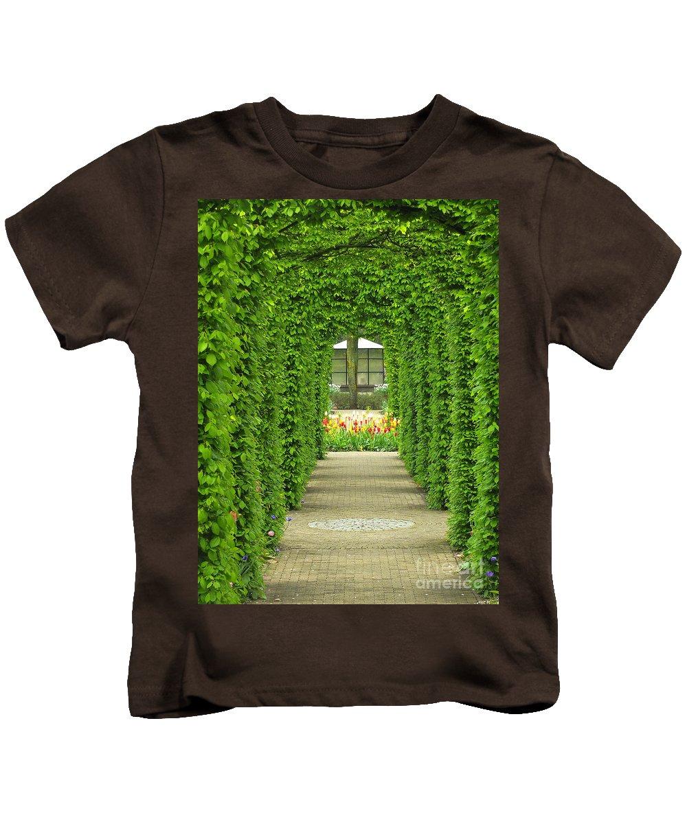 Keukenhof Gardens Kids T-Shirt featuring the photograph Keukenhof Gardens 31 by Mike Nellums