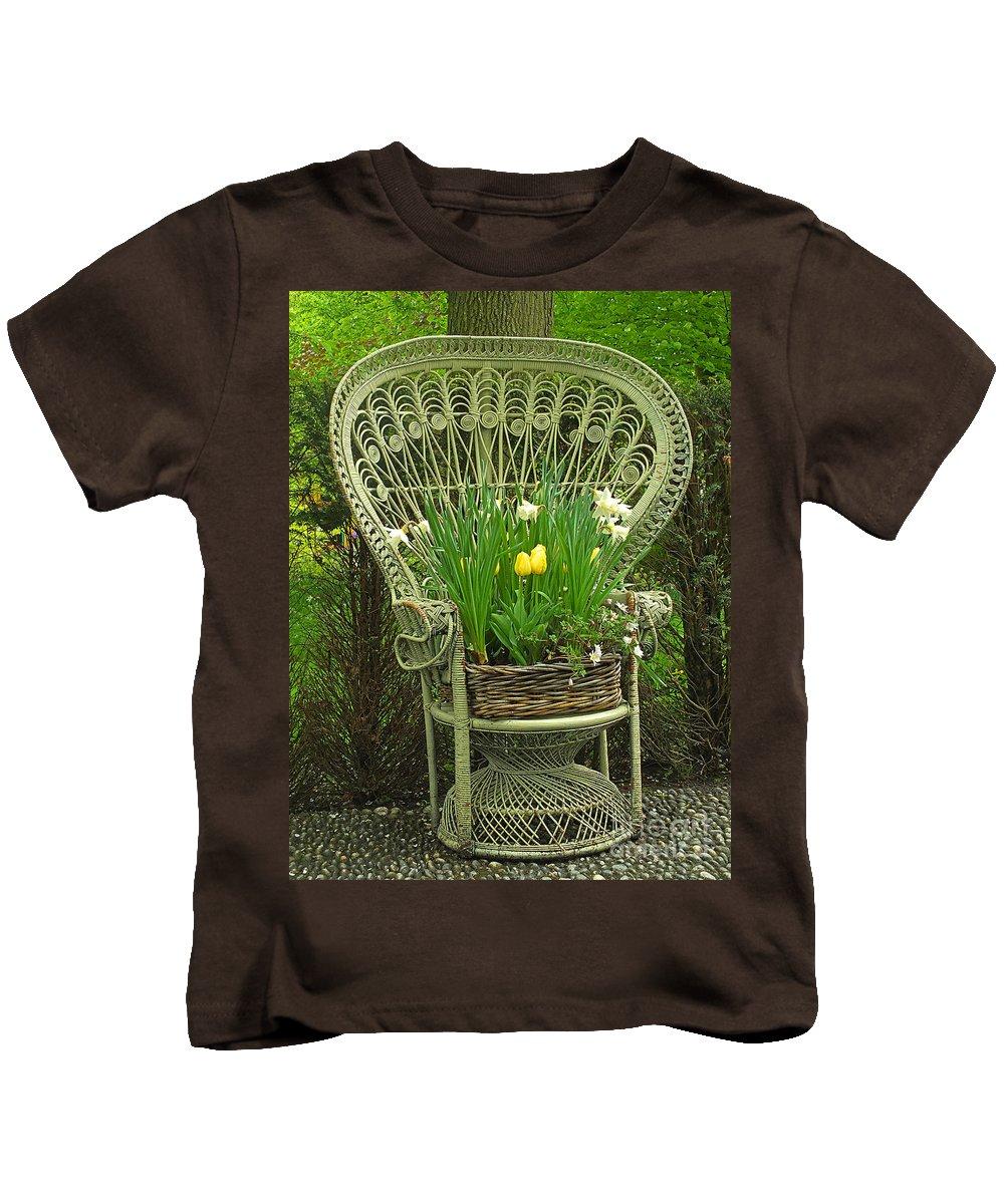 Keukenhof Gardens Kids T-Shirt featuring the photograph Keukenhof Gardens 43 by Mike Nellums