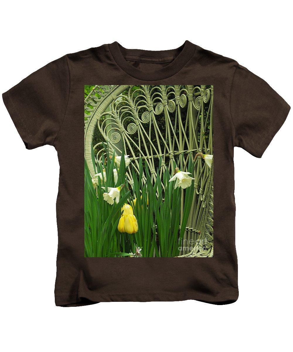 Keukenhof Gardens Kids T-Shirt featuring the photograph Keukenhof Gardens 45 by Mike Nellums