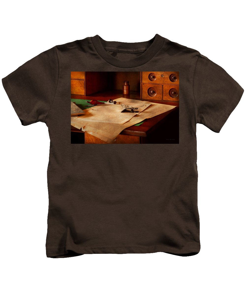 Optician Kids T-Shirt featuring the photograph Lawyer - Optician - Reading The Fine Print by Mike Savad