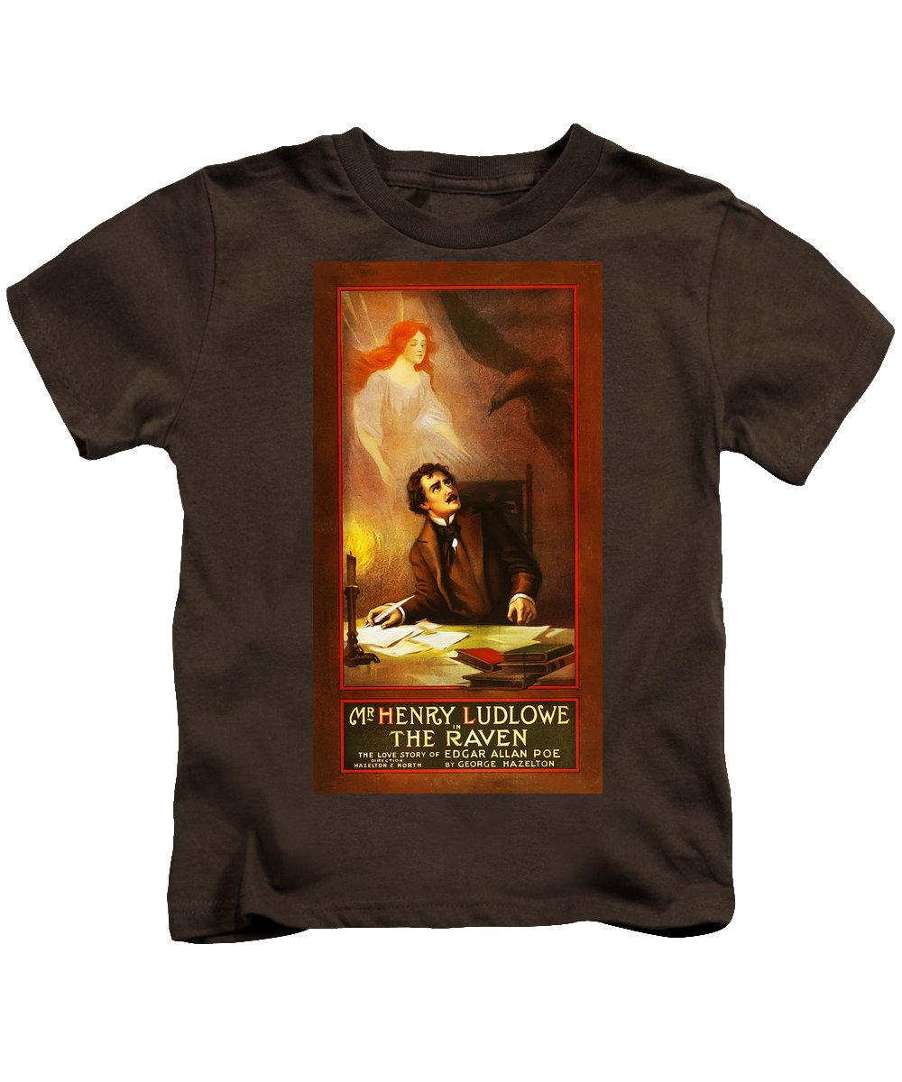 Mr Kids T-Shirt featuring the photograph Mr Henry Ludlowe In The Raven by Bill Cannon