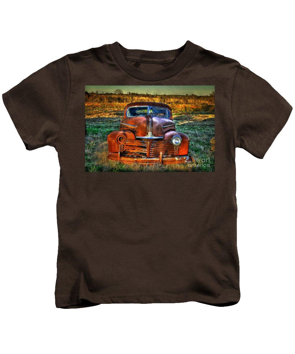 Pontiac Kids T-Shirt featuring the photograph Ole One Eye by Reid Callaway