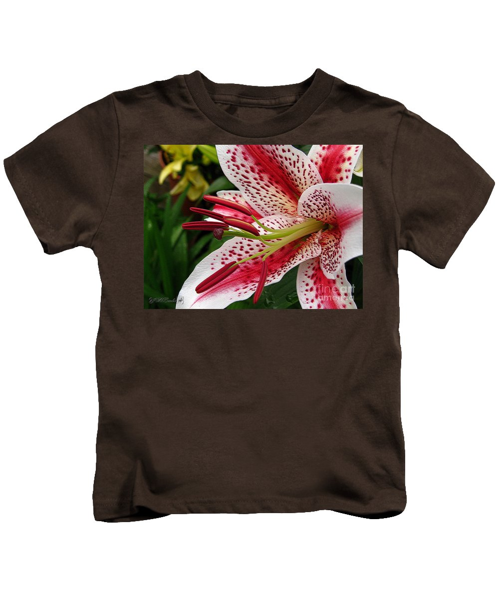 Oriental Lily Kids T-Shirt featuring the photograph Oriental Hybrid Lily Named Dizzy by J McCombie