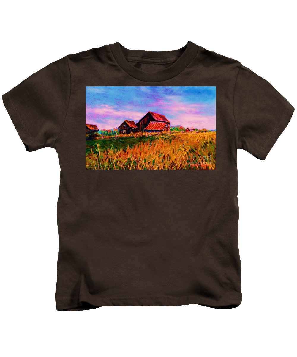 Rustic Barns Kids T-Shirt featuring the painting Slendor In The Grass by Carole Spandau