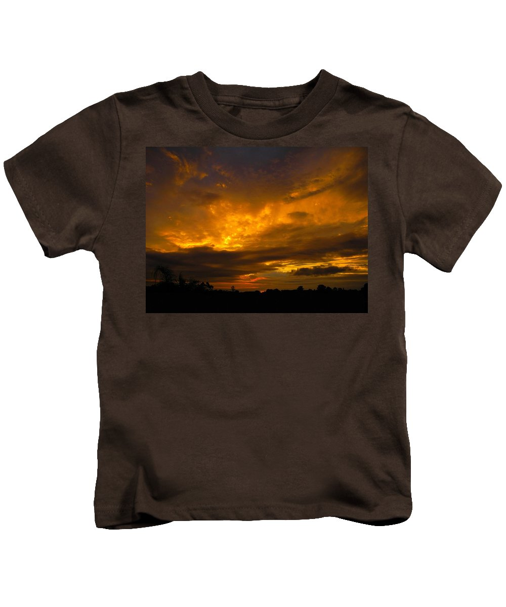Sunset Kids T-Shirt featuring the photograph Spacey Sunset by Mark Blauhoefer