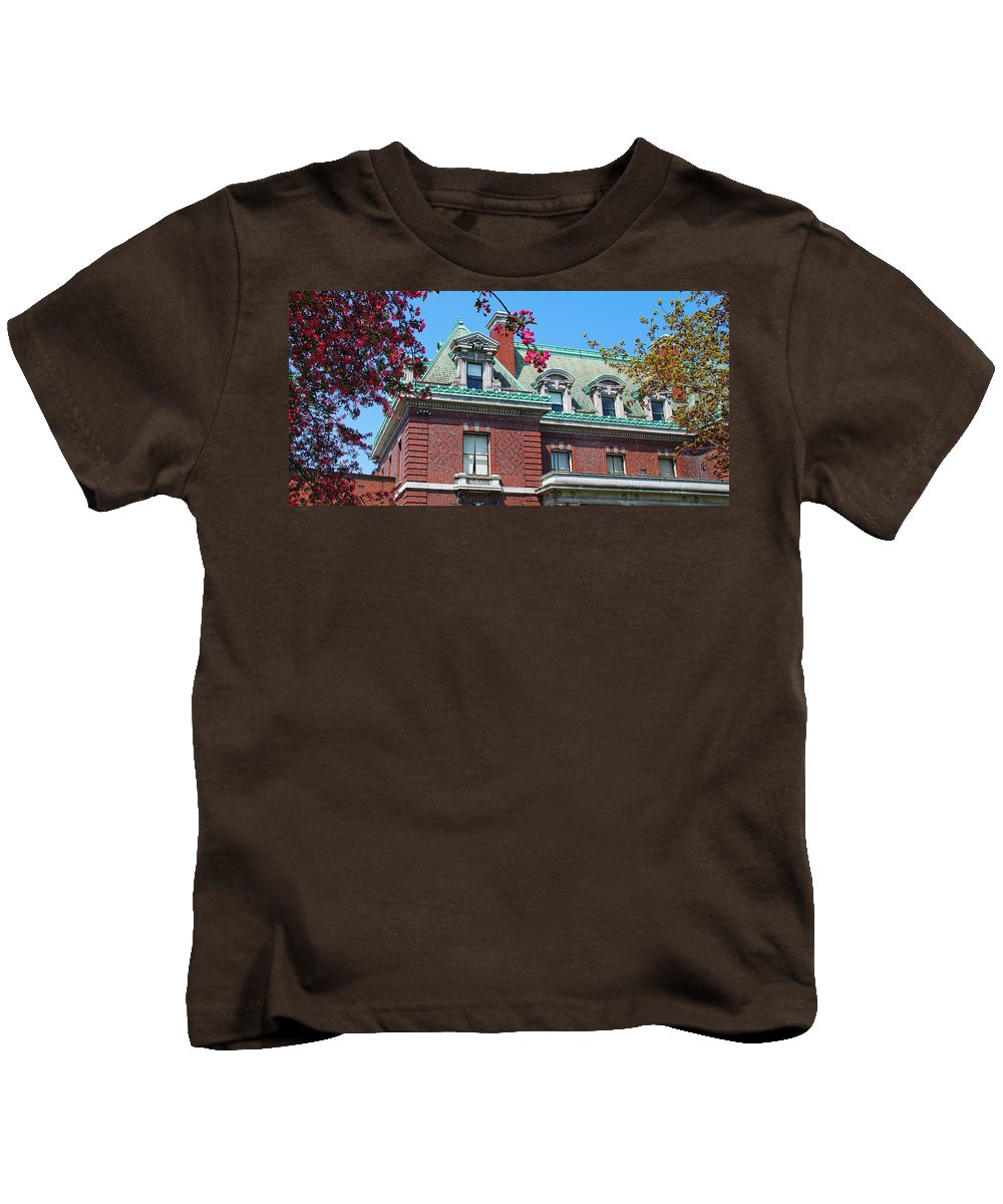 Architecture Kids T-Shirt featuring the photograph Ahh Buffalo by Guy Whiteley