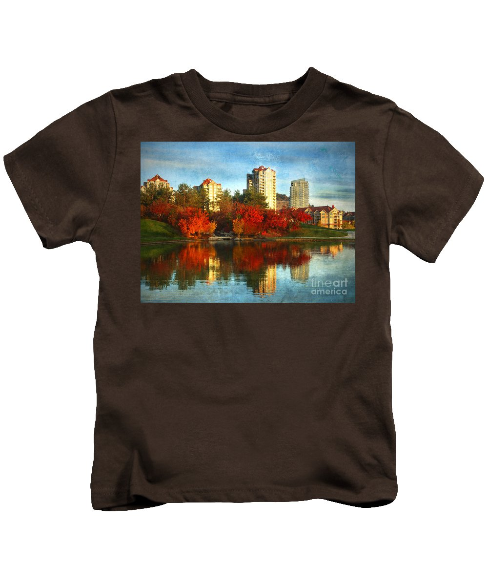 Autumn Kids T-Shirt featuring the photograph Autumn In The City by Tara Turner
