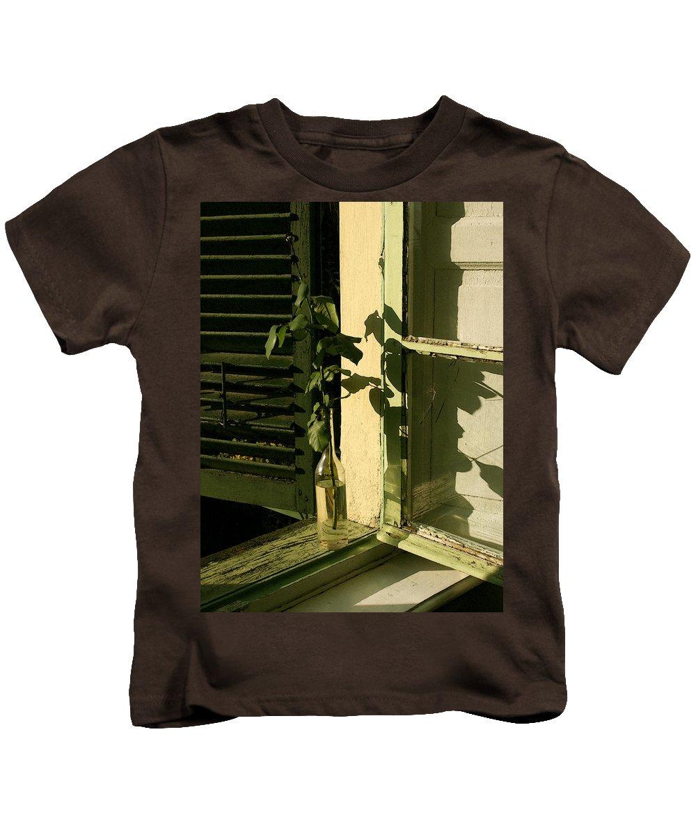 Window Kids T-Shirt featuring the photograph Non Rosa by Tila Gun