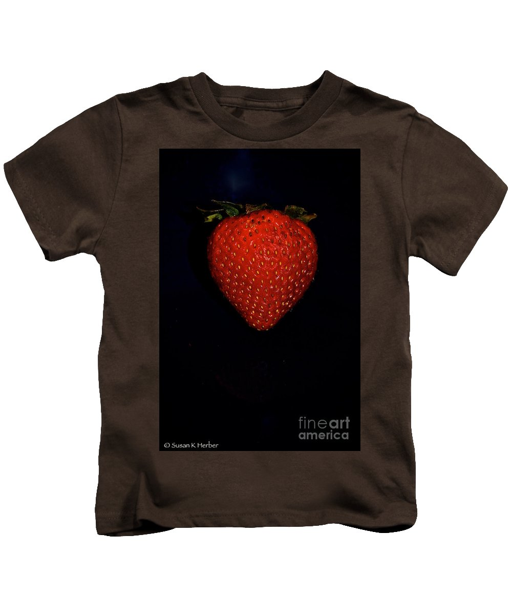 Food Kids T-Shirt featuring the photograph Ripe by Susan Herber