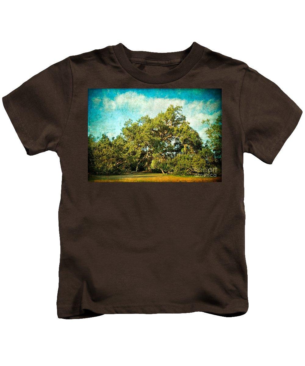 Ocean Springs Kids T-Shirt featuring the photograph Ruskin Oak by Joan McCool
